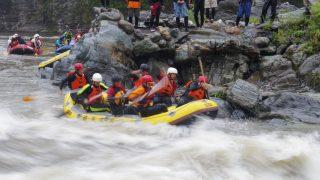 今年も長瀞で開催!『平成28年 官民合同水難救助訓練』