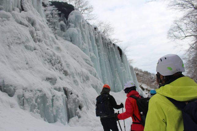 雲竜渓谷 氷瀑ツアー